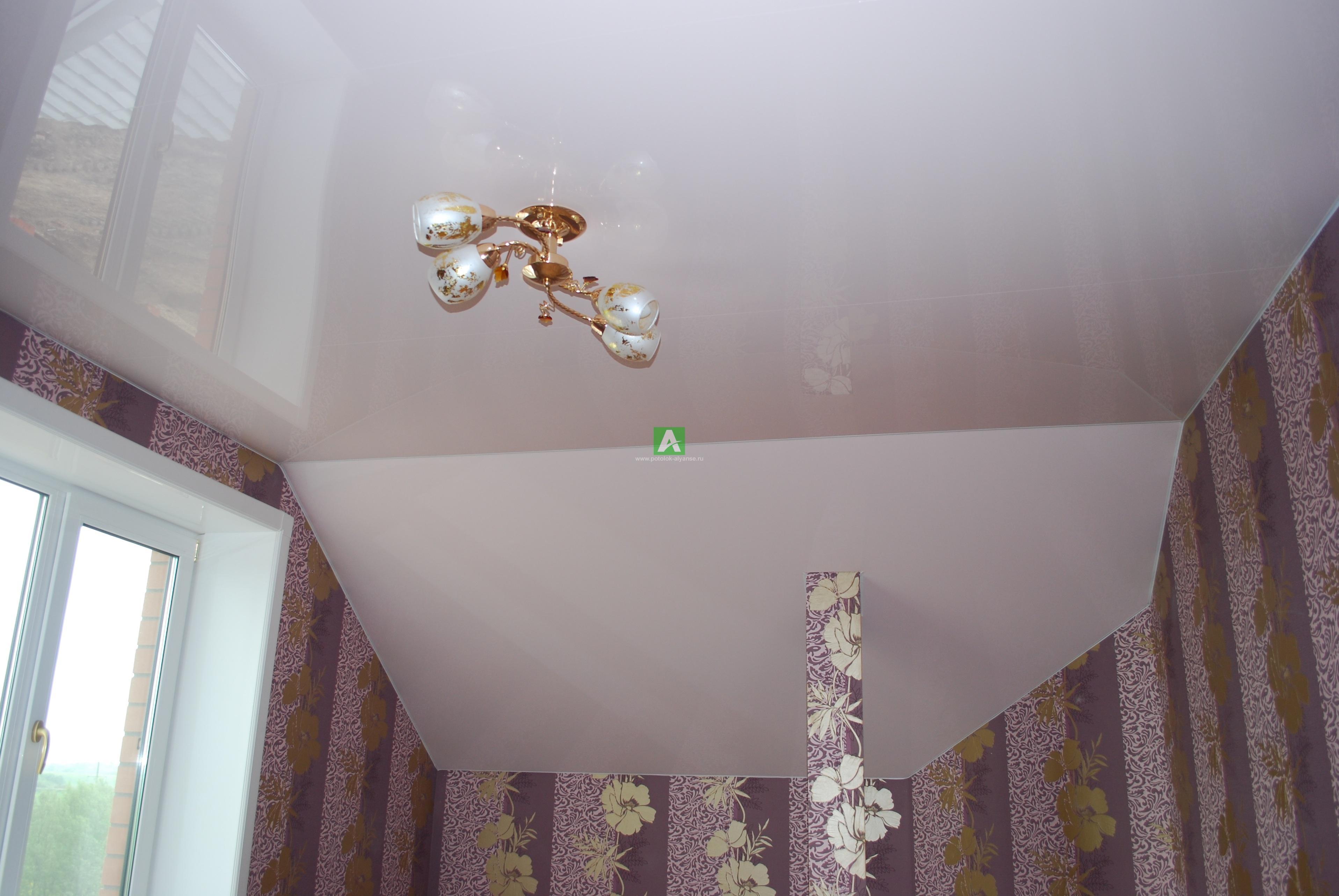натяжные потолки фото на мансарде